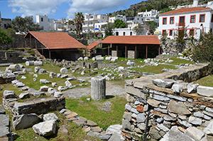 Mausoleum-at-Halicarnassus-2